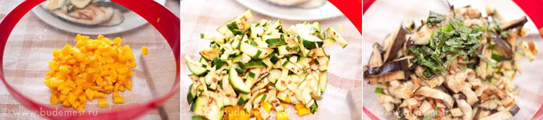 Нарежьте овощи, добавьте базилик, соль и перец.
