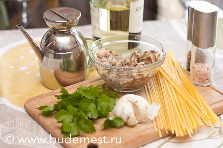 Ингредиенты для приготовления спагетти с моллюсками