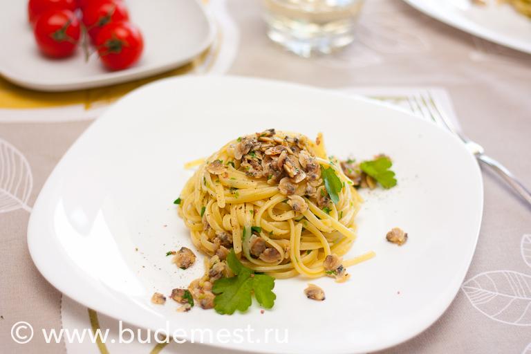 Спагетти с моллюсками вонголе
