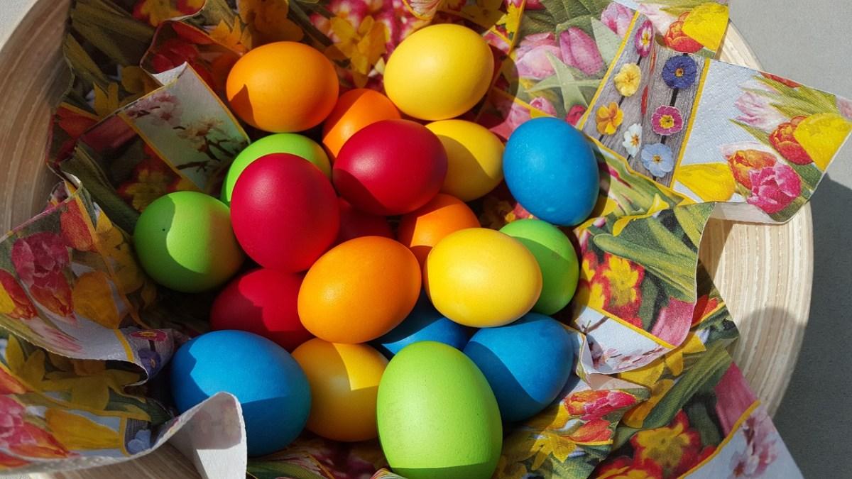 Крашенное яйцо - символ праздника и случившегося чуда
