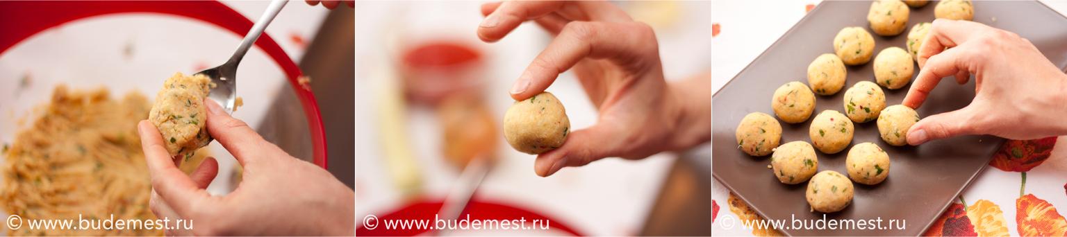 С помощью ложки сформируйте фрикадельки размером с грецкий орех