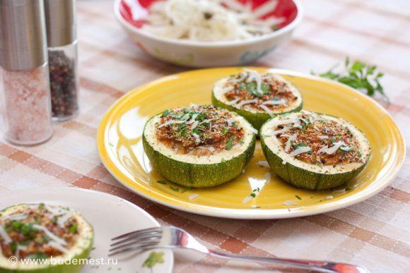 Фаршированные кабачки с вяленными томатами и маслинами