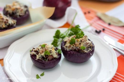 Лук фаршированный овощами и грибами