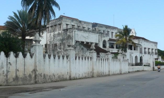 4 Day Safari and Dolphin Tour in Zanzibar