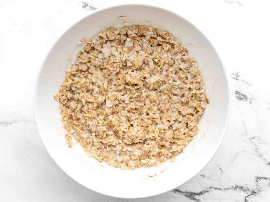 Microwaved cauli oats in a bowl