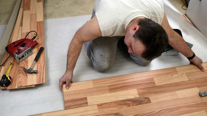 panele podłogowe które sprawdza się w nowoczesnym minimalistycznym wnętrzu