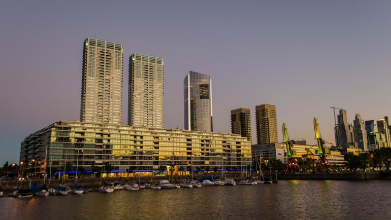 puerto madero buenos aires