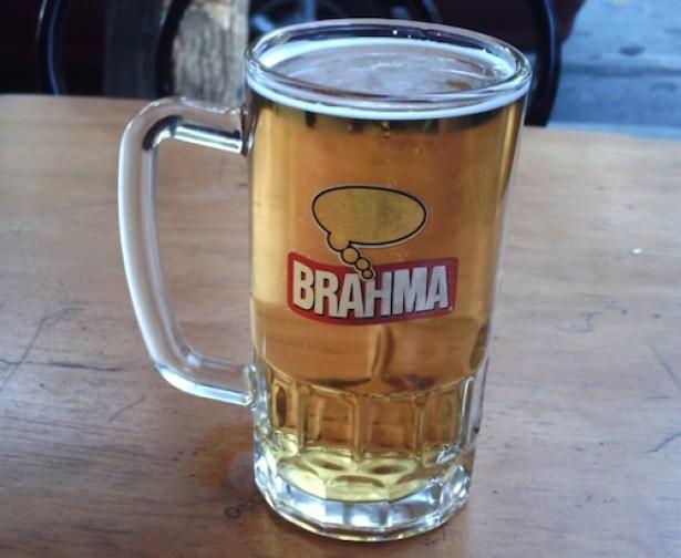 Cervejas chilenas, né? Tá certo...