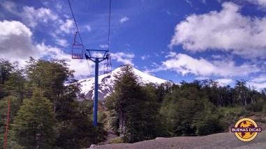 No verão, os teleféricos adiantam a viagem de quem vai subir ao topo do Villarrica