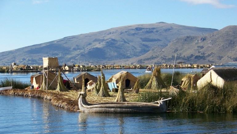 isla flotante titicaca puno peru