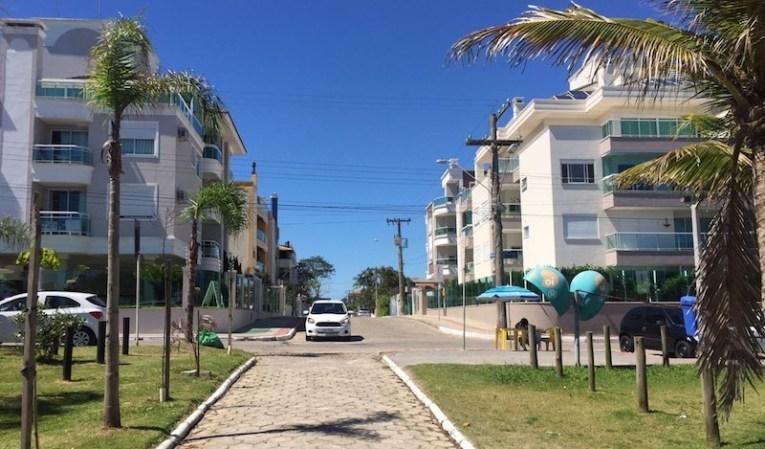 Chegada na praia, no centro de Canasvieiras