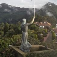 estatua monserrate bogota