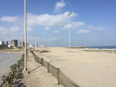 Praia em Cartagena, no bairro de Marbella, perto do aeroporto