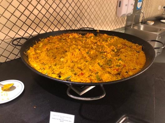 Paella no restaurante Meu Rei