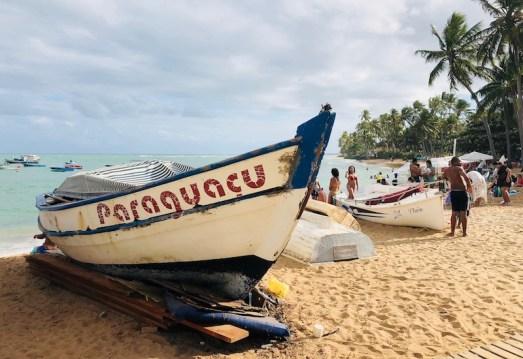 Barco na praia do Porto de Cima