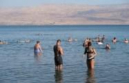 Banho de lama no Mar Morto
