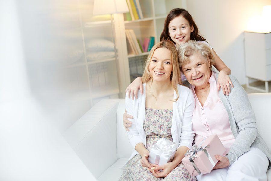 3 mujeres de diferentes generaciones