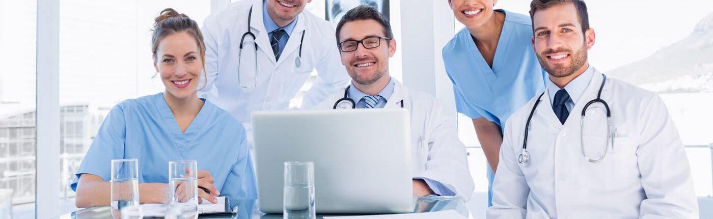 panel médico