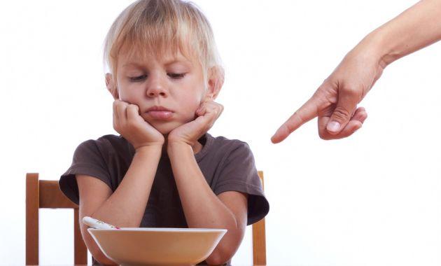 Resultado de imagen de niño no quiere comer