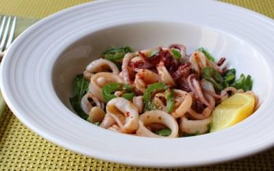 Cocina con Buenmercadoacasa: Ensalada tropical de coco y calamares
