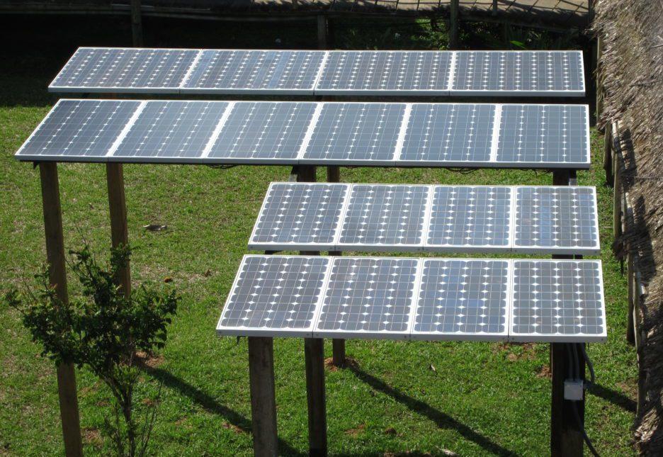 C antos paneles solares y bater as necesito buen tutorial - Casas con placas solares ...
