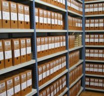 La Comunidad de Madrid limitará la externalización de la custodia de documentos públicos