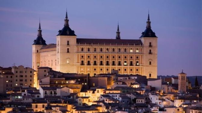 La Agencia Tributaria de Toledo cierra por el hundimiento de un techo