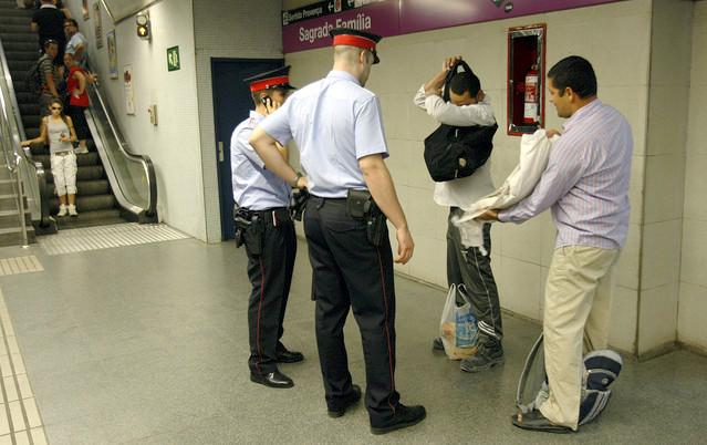 Tribunal Supremo quiere prohibir acceso al Metro a carteristas