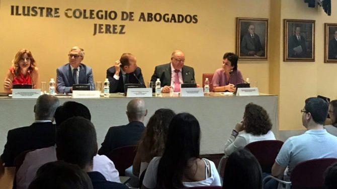 Alumnos del V Máster en Abogacía se gradúan en Colegio Abogados Jerez