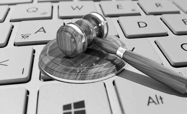 Los sitios web de los principales despachos de abogados suspenden en SEO