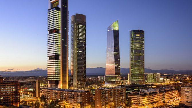 Despacho Pérez-Llorca expande oficinas en la Torre Foster de Madrid