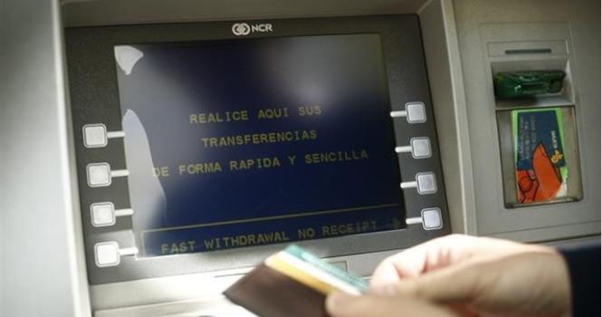 Santander, BBVA y CaixaBank, triunfan por 'Euromoney'
