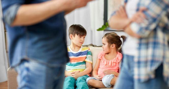 Situación de hijos cuando un cónyugue se muda de ciudad