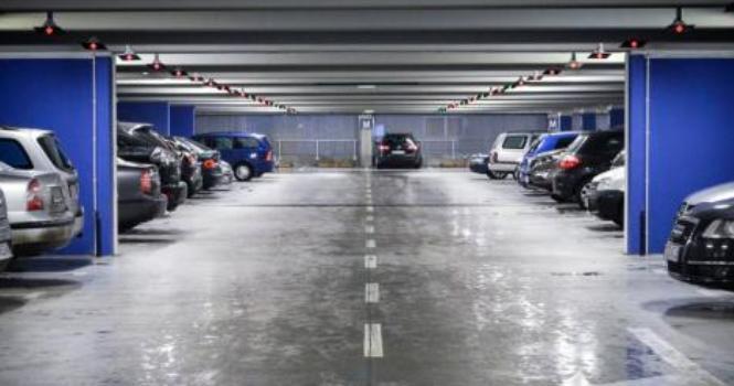 Seguro responde por daños de coche en garaje privado