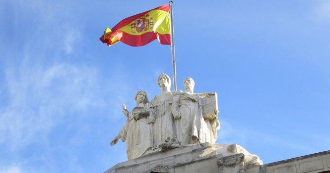 Españoles ven a la Justicia confiable aunque lenta