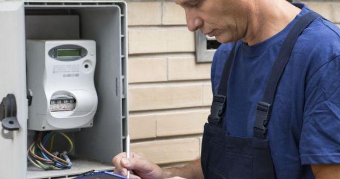 El consumidor o debe pagar el cambio del contador del gas