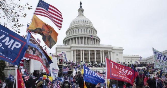 Trump intenta con demanda ocultar documentos del asalto al Capitolio