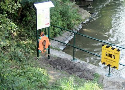 Jez v Olomouci (Mlýnský náhon) - SMRTELNĚ NEBEZPEČNÝ JEZ - řeka Morava (www.nebezpecnejezy.cz)