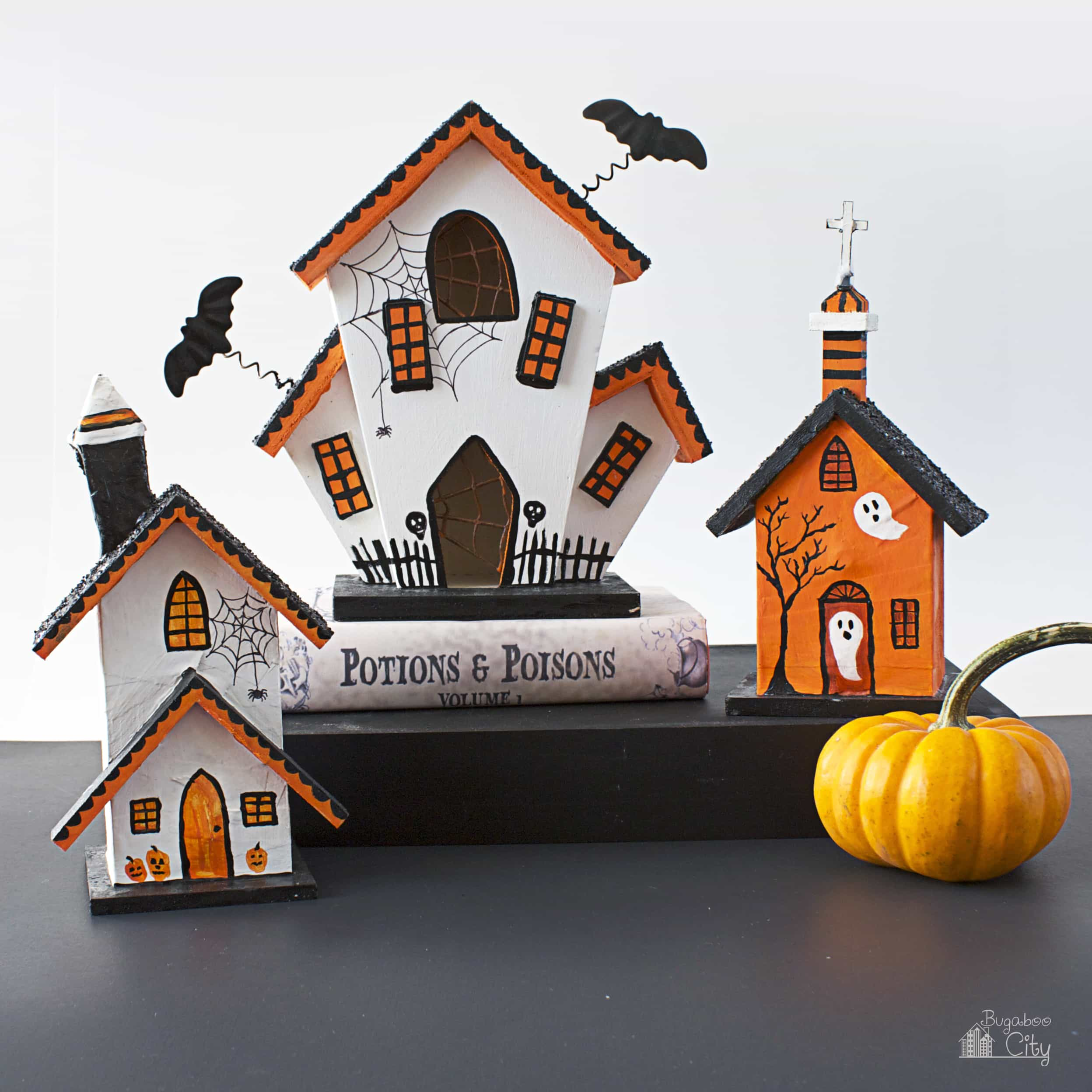 Diy halloween haunted houses bugaboocity for Pinterest haunted house