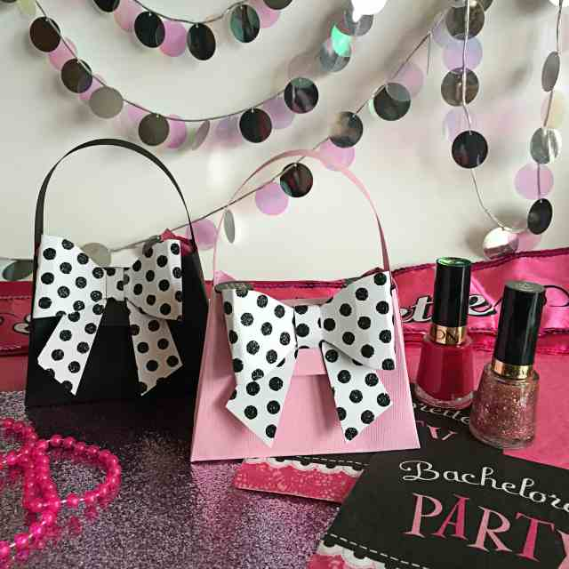 Bachelorette Party Favors - DIY Mini Paper Purses!