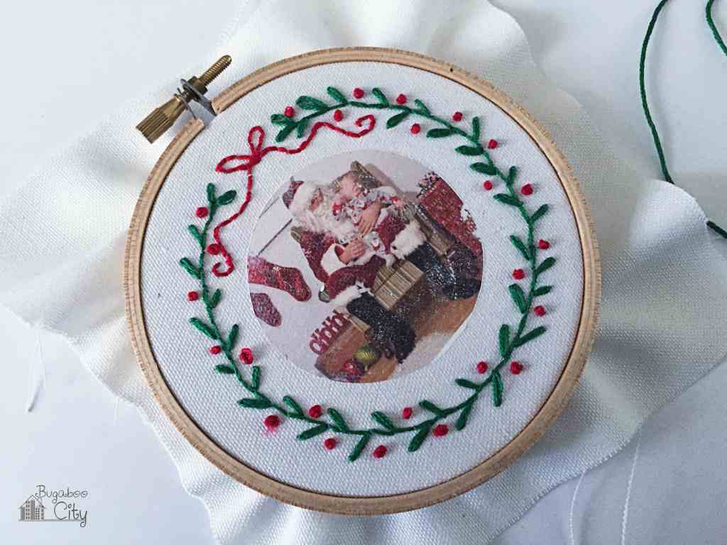 DIY Embroidery Hoop Photo Ornament