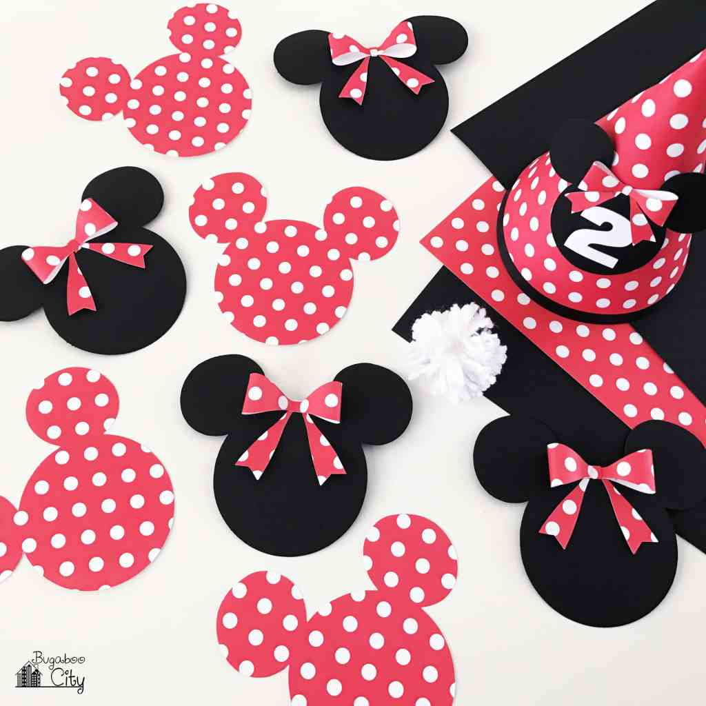 Minnie Mouse Birthday Party DIY paper banner and hat