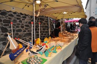 exposants marché de Noël Fête de la Bugne