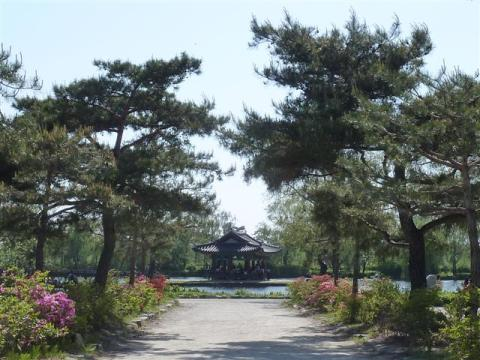 Gungnamji, as seen from the entrance