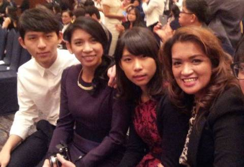 Cong. Jasmine Lee with her two kids and Ms. Razel Kim