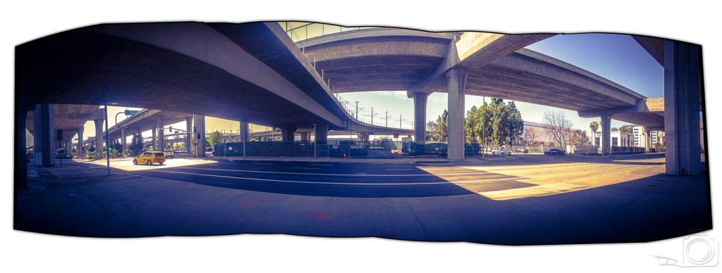 A panoramioc view of an intersection near LAX.