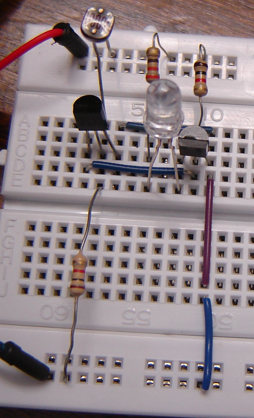 Dark Sensor Using Two Transistors Buildcircuit