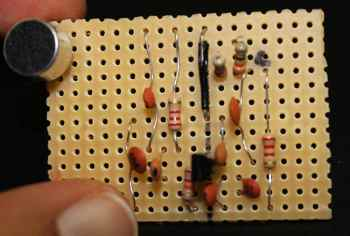 How to make one transistor FM transmitter on a stripboard- page 1/2