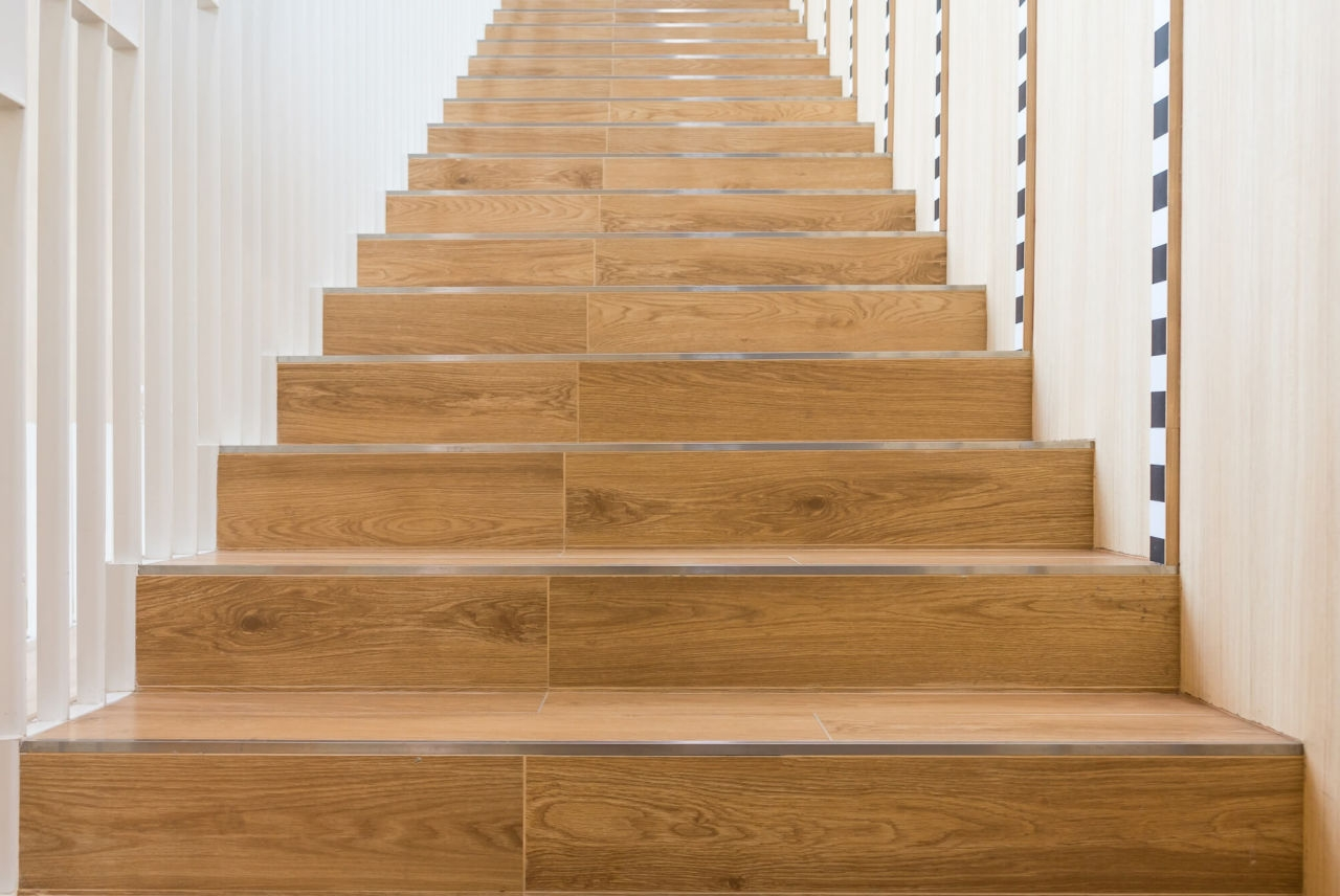 How To Choose A Style Of Stair Tread Nosing Builddirect Blog   Wood Floors And Stairs Direct   Wide Plank   Floor Covering   Brazilian Cherry   Installation   Maple