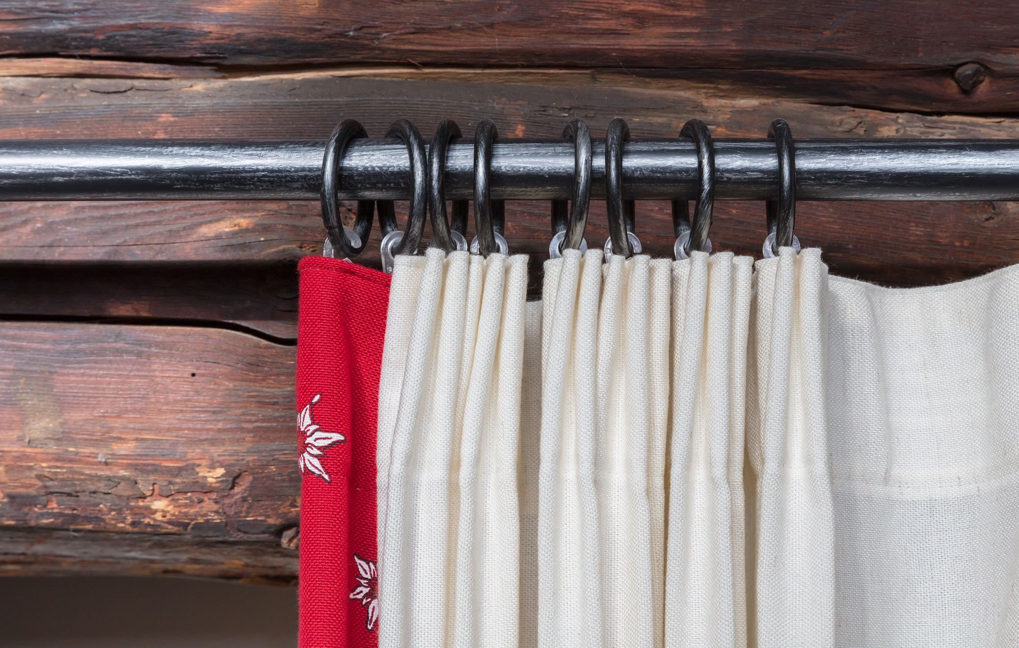 making secretly inexpensive curtain
